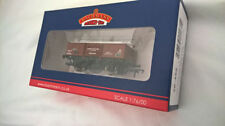 Bachmann Standard Plastic OO Scale Model Train Carriages