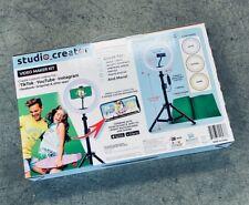 872001: Studio Creator Video Maker Kit (Right light, Phone Holder, Green Screen)