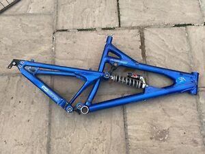 "Santa Cruz VP Free Blue 18-1/2"" freeride bike frame"