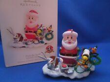 Hallmark~Christmas Ornament~Looney Tunes~Deck the Yard!~2007