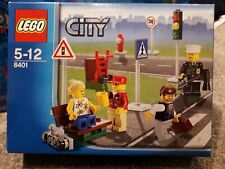 LEGO City Minifigure Collection (8401), complete, boxed with Instructions.