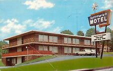 c1960s Southwind Motel, Radcliff, Kentucky Postcard