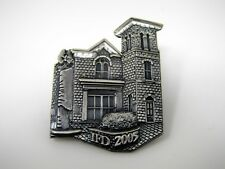 Collectible Pin: 2005 Beautiful House Design