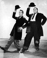STAN LAUREL AND OLIVER HARDY - 8X10 PUBLICITY PHOTO (SP549)