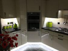 Cocina bajo unidad armario vitrina de la cenefa Pedestal Led tira luces de ahorro de energía