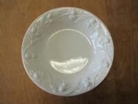 "Williams Sonoma IPATRIZI Italy WHITE OLIVES Pasta Bowl 10"" Embossed  1 available"