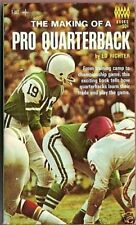 THE MAKING OF A PRO QUARTERBACK 1967 SOFT COVER BOOK