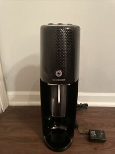 Sodastream Fizzi Carbonated Soda/Sparkling Water Machine w/ 2 Bottles