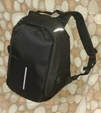 New Unisex Black Backpack/Rucksack Laptop +Built-in Charger Cable Antitheft Bag