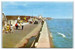 Postcard Brooklands Jaywick Essex