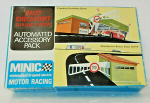 Triang Minic Motorways OO Scale Rally Checkpoint and Filling Station Kit