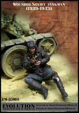 1/35 Scale resin model kit WW2 Wounded Soviet Tankman #1