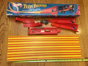 1980s Hot Wheels Flyin Bronco Stunt Track Set Mattel INCLUDES TRUCK! Loop Car