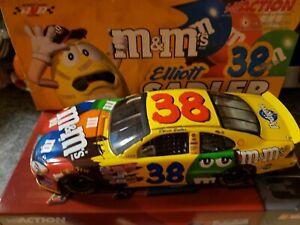 Elliott Sadler #38 M&M's 2003 Ford Taurus 1:24