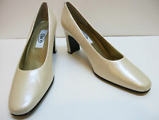 SRO Ivory Leather Classic Pumps High Heels 9.5M 9.5 MSRP $79