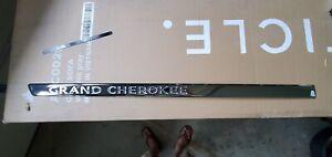 Door Window Molding Fr Left Mopar 55079307AE fits 12-14 Jeep Grand Cherokee OEM