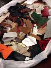 2 kg cuir chutes, Déchets, reminants, pieces, couleurs mélangées ans Tailles, Gratuit P +