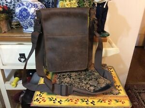 Muzetto Leather vertical messenger bag from Waterfield, made in San Francisco
