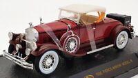 Signature 1/32 Scale Model Car 32329 - 1930 Pierce Arrow Model B - Burgundy
