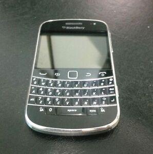 BlackBerry Bold 9900 8GB -Black+ Mint condition+ (Unlocked)+ ON SALE~