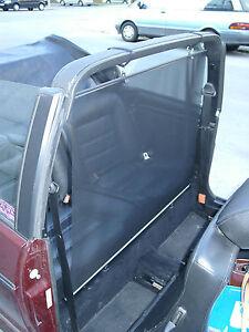 VW Golf 1 Cabrio - Windschott Rollo mit schwarzen Klickverschluss  PLATZSPAREND