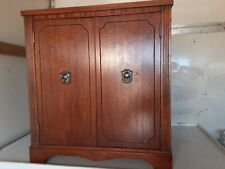 Fancy Wood Looking Wine Liquor Bar Cabinet With Rotating Rack Holder Display