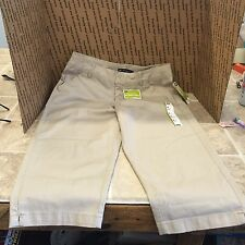 Lee Natural Fit Women's Capris 8 Medium NWT