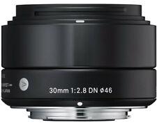 Sigma 30mm F2,8 DN Art Objektiv Vitrinenaussteller + OVP