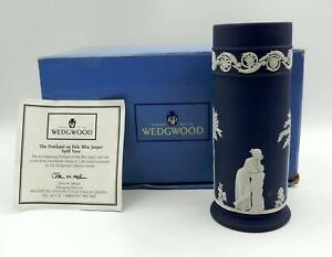 RARE WEDGWOOD PORTLAND Blue  Jasper / Jasperware CYLINDER / SPILL VASE 16.8cm