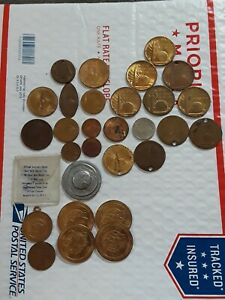 Lot of 29 1939-40 & 1964 New York NY World's Fair Tokens, Medals, ELONGATED CENT