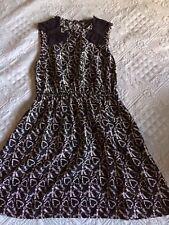 Robe noir imprimée