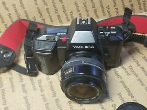 Yashica 200-AF 35mm Vintage Camera with 35-70mm 1:3.5-4.5 sigma Lens