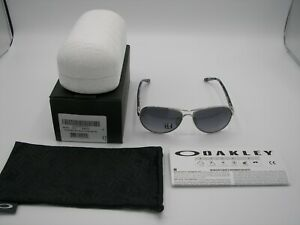NIB Authentic Oakley Tie Breaker Polished Chrome/Grey Gradient Polarized