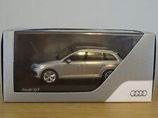 SPARK AUDI Q7 LUXURY 4X4 FOIL SILVER CAR MODEL 501.14.076.13 1:43