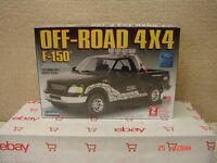 *NEW Lindberg Model Kit 1/25 Ford F-150 Off-Road 4X4