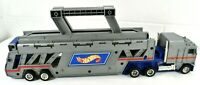 Vintage Hot Wheels - Semi Truck Auto Transport Carry Case Car Hauler 1986 :)