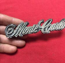 1981-1988 MONTE CARLO GRILLE EMBLEM 1986 (552) Broken Pin