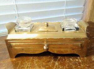 VINTAGE ART DECO BRASS DOUBLE INKWELL STAND WITH HEAVY GLASS INKWELLS DESK SET