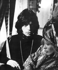 Mick Jagger & Anita Pallenberg UNSIGNED photo - L2924 - Performance - NEW IMAGE