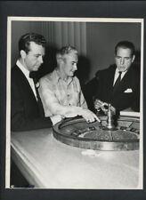 HUMPHREY BOGART + DICK POWELL + ROULETTE WHEEL - 1947 VINTAGE DOUBLEWEIGHT PHOTO