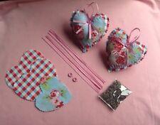 Cath KIDSTON Tissu Rose Bleu 2 coeurs suspendus avec Kit Couture parfumée à la lavande