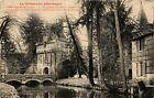 CPA Fervacques - La Touques et l'entrée du Chateau (383494)