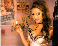 JAMIE CHUNG SIGNED THE MAN WITH THE IRON FISTS  PHOTO UACC REG 242