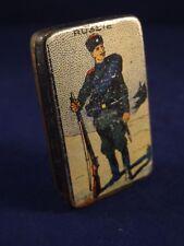 Ancienne rare boîte plumes miniature métal tôle soldat Russe Russie 1910 litho