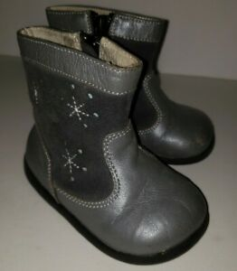 SEE KAI RUN gray Leather Suede Snowflake Side Zip winter Boots. Toddler 4.5