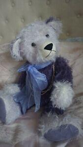 ARTIST TEDDY BEAR BY AUSTRALIAN TEDDY BEAR ARTIST DEL LINSLEY, PURPLE MOHAIR