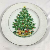 Crown Victoria Lovelace Fine China Dinner Plate Damas Patterns Christmas Tree