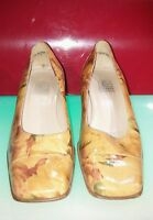 Corine Paris made in France size 37.5 (7.5 US) good shape