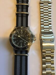 Glycine GL0076 Combat Sub Automatic Black Dial Men's Watch Swiss Gray Diver