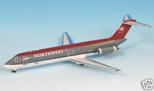 Northwest 'Bowling Shoe' DC-9-30 (N943N) Inflight200